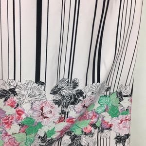 Kenneth Cole Tops - Kenneth Cole Stripe Floral White Blouse Sz Small